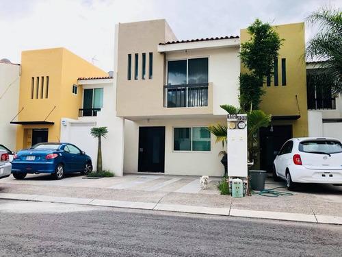 bonita casa en venta en residencial galerias