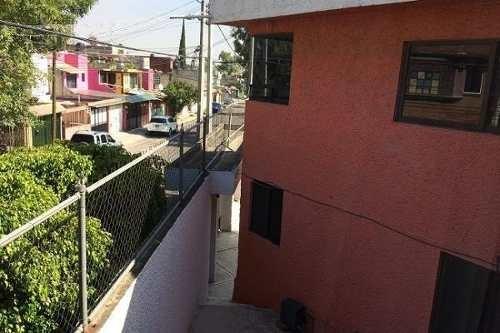 bonita casa muy amplia en izcalli del valle, 2 plantas, 4 recamaras, 2 baños completos, estacionamie