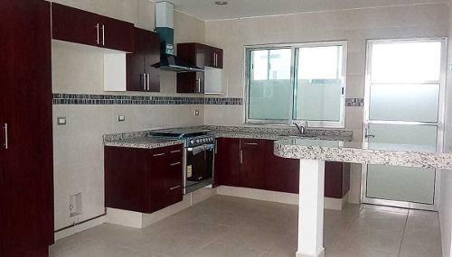 bonita casa nueva en venta en el refugio