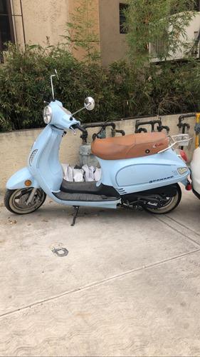 bonita motocicleta carabela greaser, como nueva
