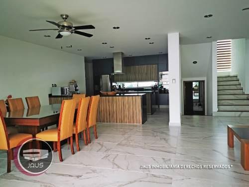 bonita residencia en venta en lomas de cocoyoc