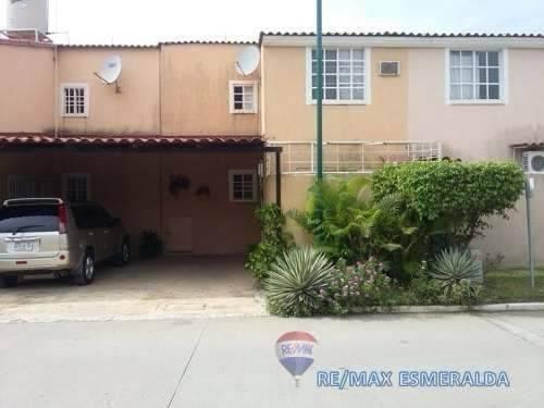 bonita y amplia casa en zihuatanejo