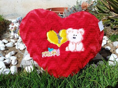bonito corazon bordado rojo de 40 cms