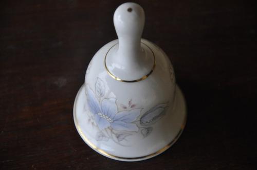 bonito sino de porcelana inglesa