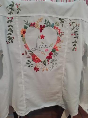 bordado en prendas de vestir