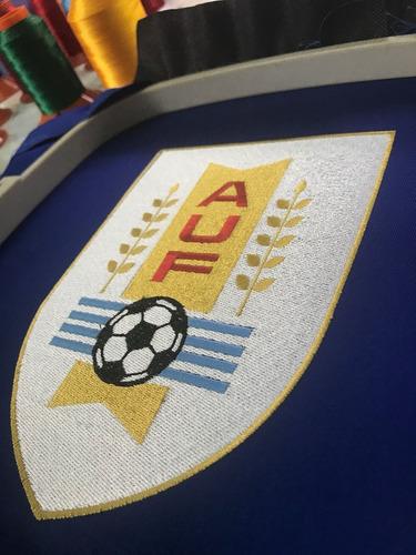 bordados de logos, nombres, escudos