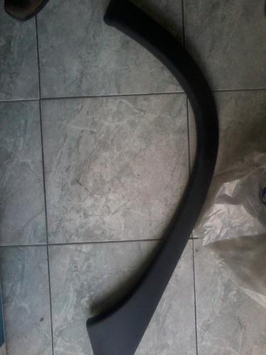 borde rueda o buche  trasero izquierdo corsa 2 puertas