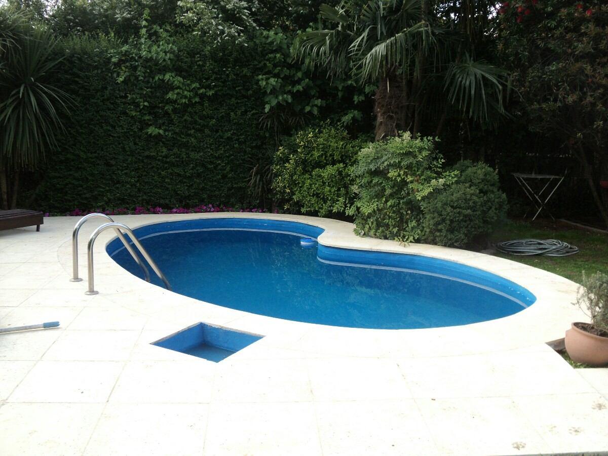 Bordes piscinas monto bordes piscinas bordes y solarios for Bordes decorativos para piscinas