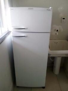 borracha geladeira dako redk38 - porta de baixo