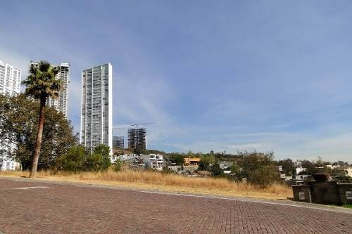 bosque real, av. del silencio. terreno883 mts remax platino