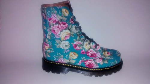 bota azul con flores, flores, botas flores, azul, floress