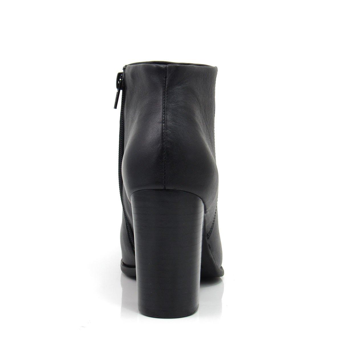 677428f6da2 bota cano curto feminina salto grosso carmina 56611 couro. Carregando zoom.