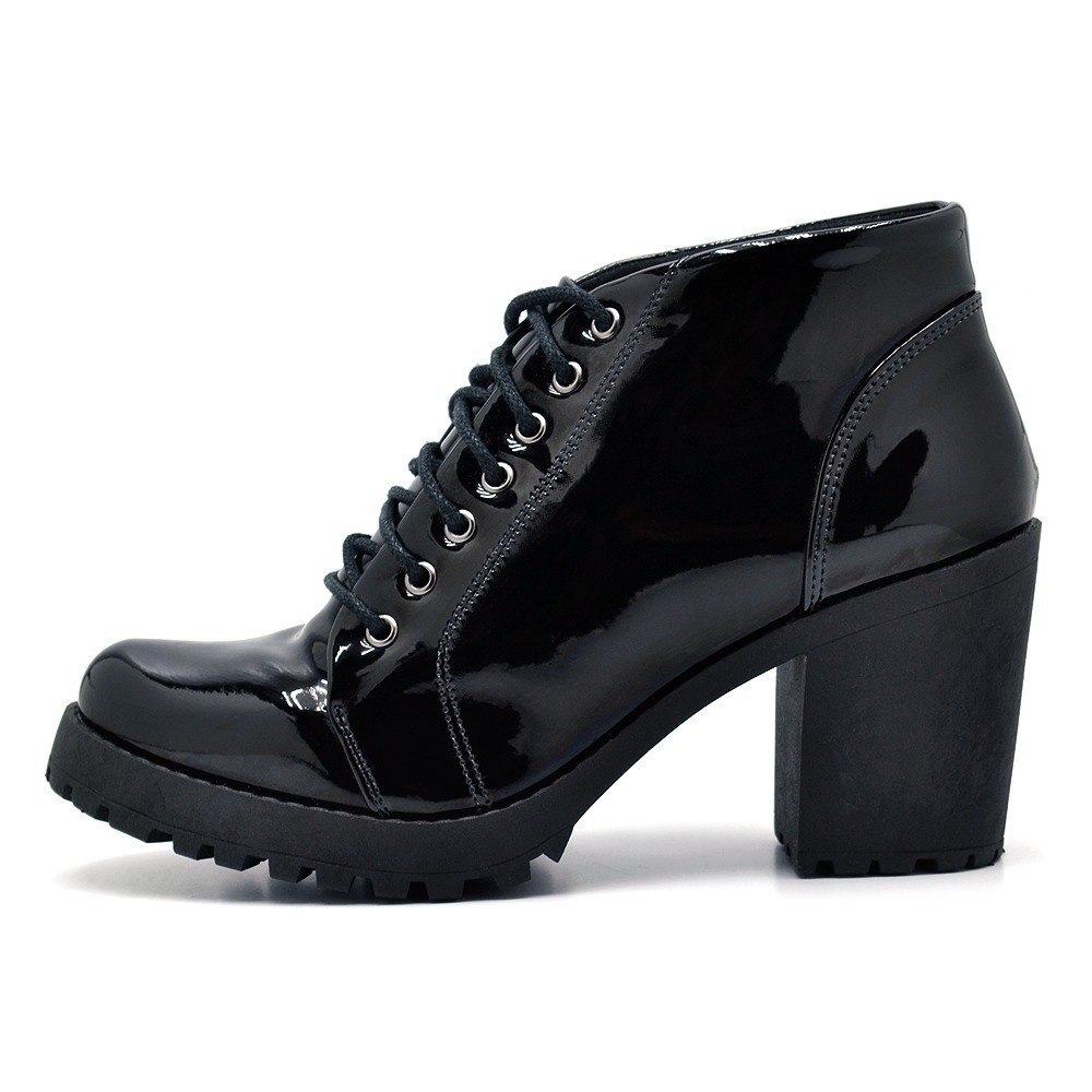 5e25241245 bota coturno feminino cano curto salto grosso verniz preta. Carregando zoom.
