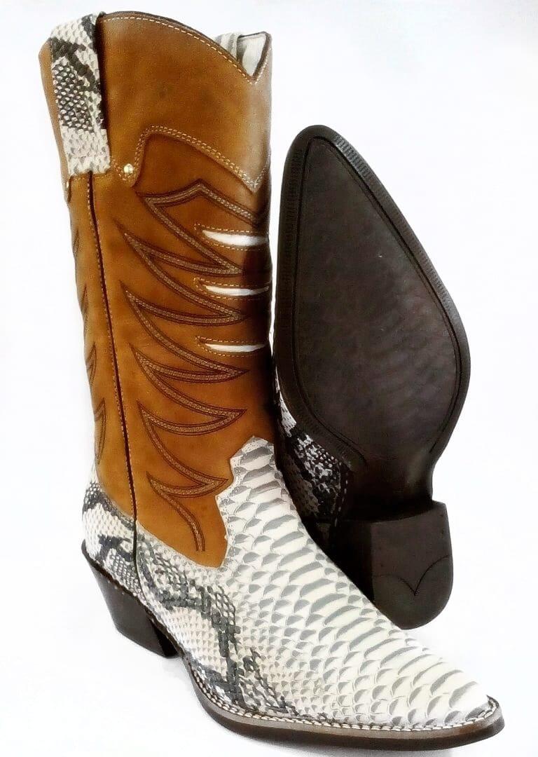 80a1007cf6280 06aa30be84279c  bota country masculina cano longo texana rodeio couro  legiti. Carregando zoom.