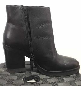 b934c84f0 Bota Tratorada Da Schutz Botas - Sapatos para Feminino com o Melhores  Preços no Mercado Livre Brasil