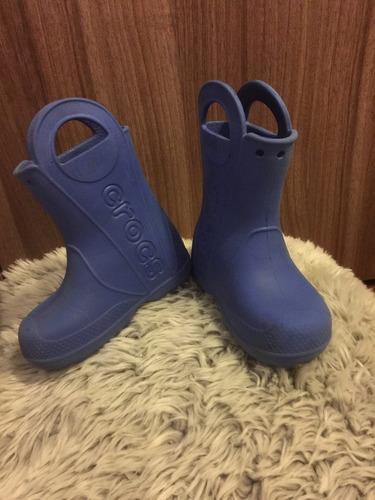 bota crocs