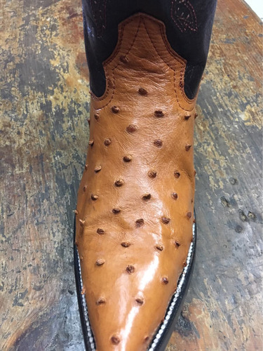 bota de avestruz original color miel
