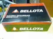 bota de seguridad industrial color cafe marca bellota