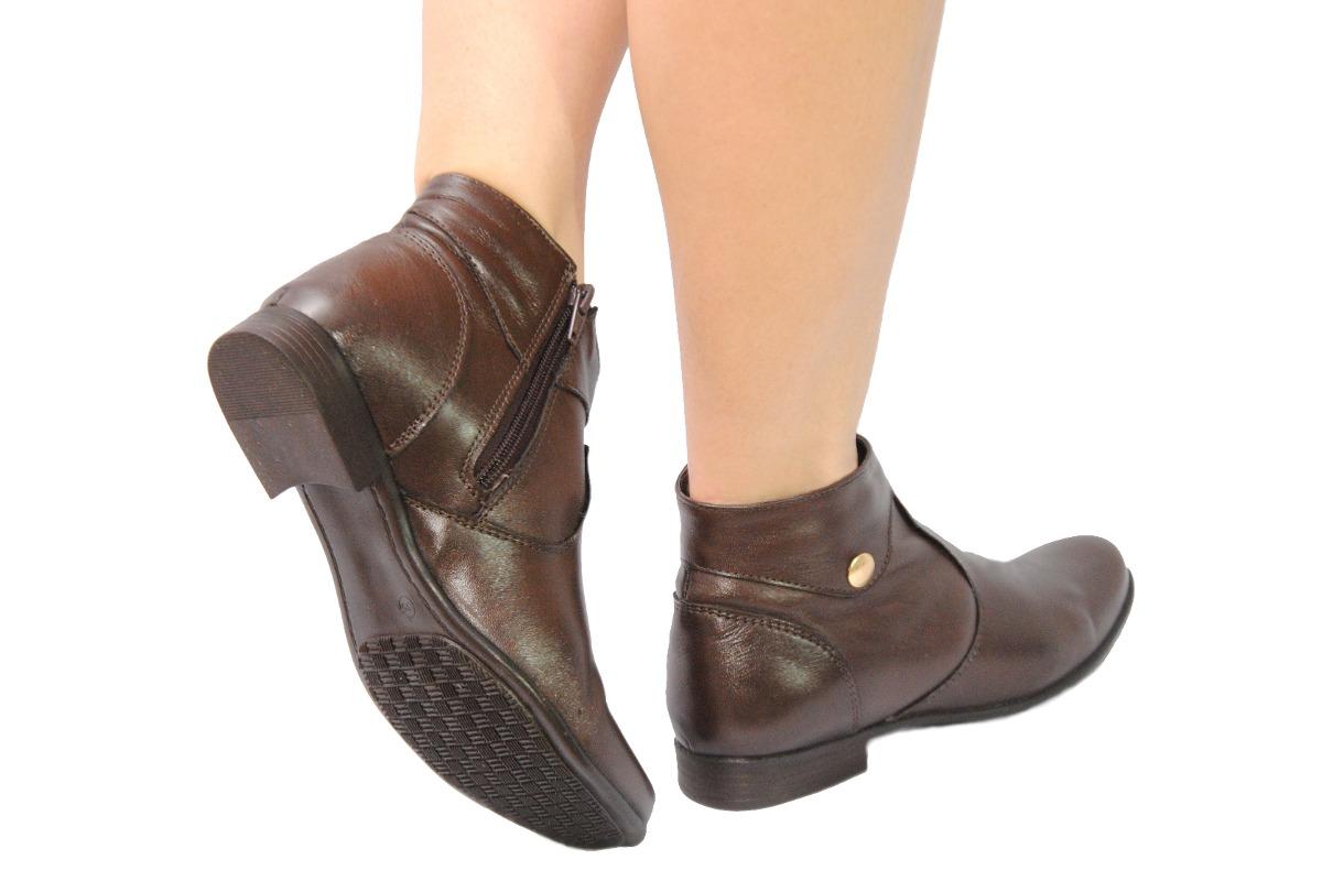af8b1bf745 bota feminina cano baixo café confort em couro legítimo. Carregando zoom.