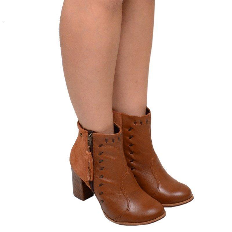 0620a3bfb bota feminina cano médio salto bloco cravo e canela avelã. Carregando zoom.
