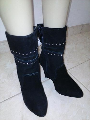 bota feminina em camurça marca via marte tam.37