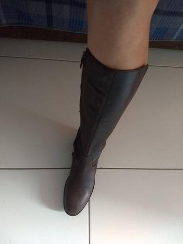 bota feminina em couro marrom da geox