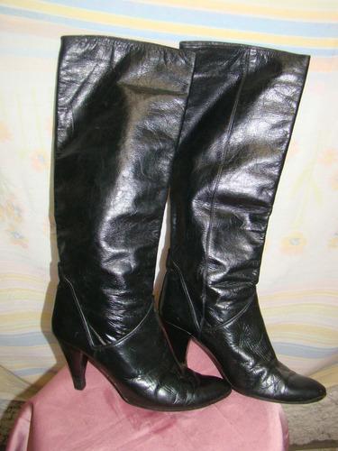 bota feminina em couro salto agulha 32 usada
