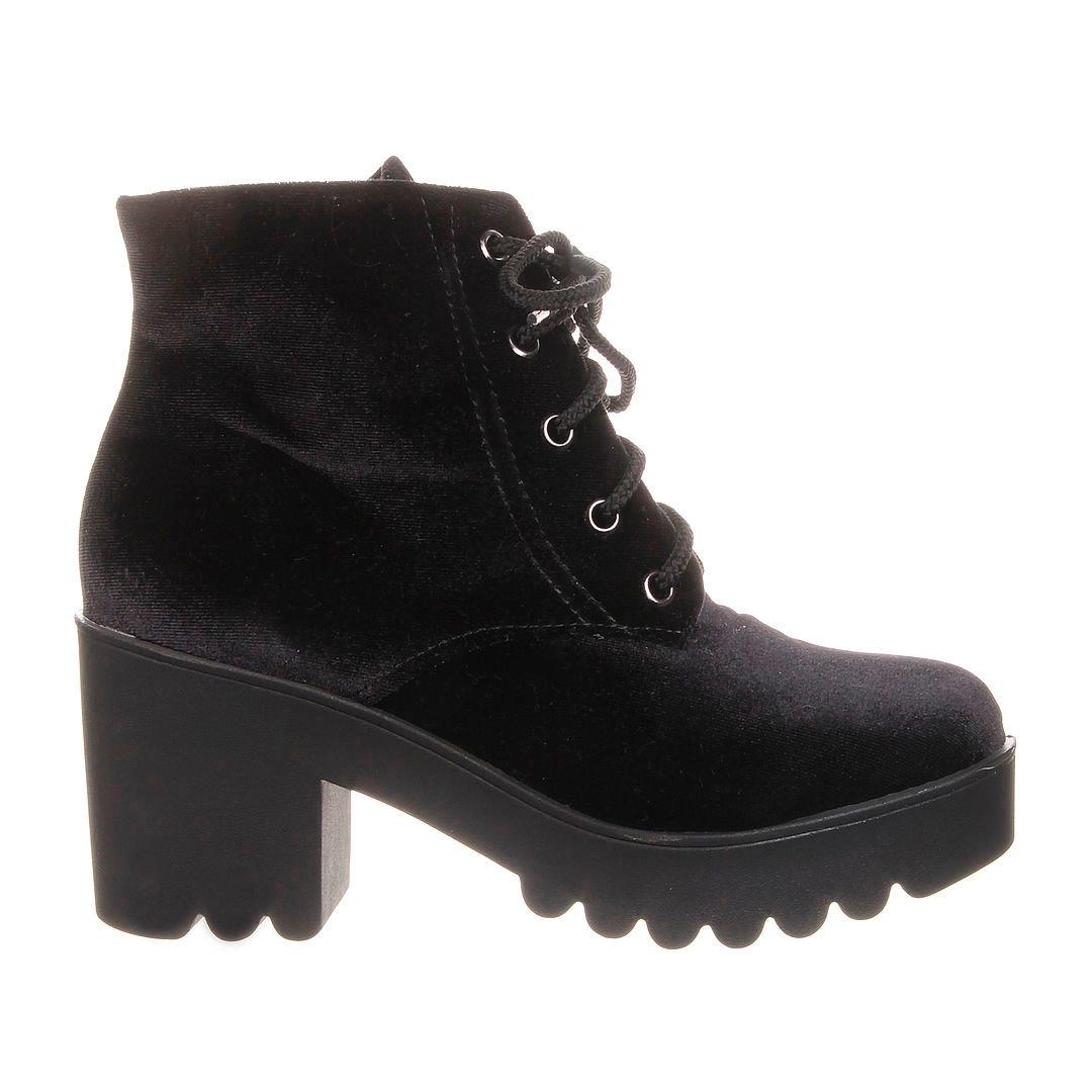 7e13062908c bota feminina preta veludo + sandália tratorada preta verniz. Carregando  zoom.