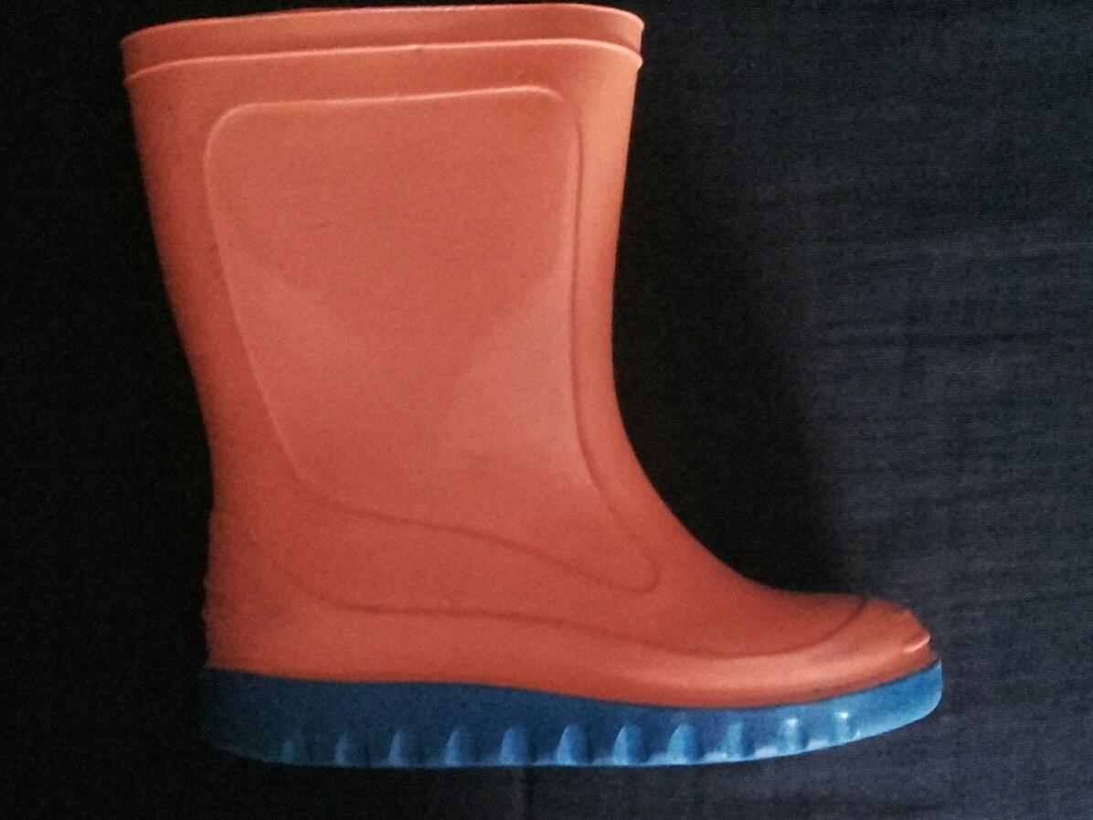 a4d4e1649 Características. Marca IMPORTADA  Modelo IMPORTADA  Género Niños  Tipo de  calzado Botas de Lluvia ...