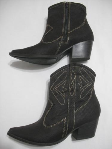bota marrom country crysalis 35 sintético usado bom estado