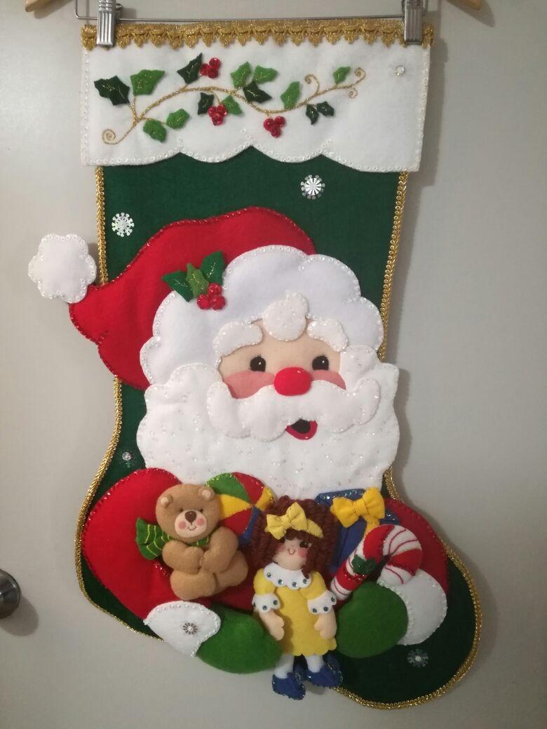Bota navide a de santa claus con juguetes hecha con - Decoracion navidena fieltro ...