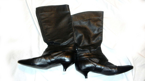 bota negra punta cuero oveja caña alta zara 38 taco bajo
