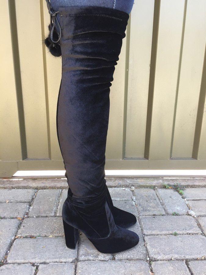 54c6e6853 Carregando zoom... the knee bota over. Carregando zoom... bota over the knee  de veludo preto com pompom suzana santos