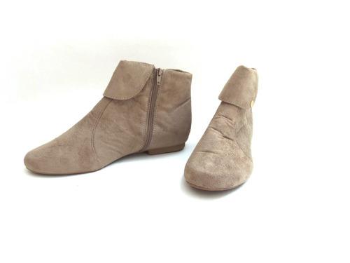 bota rasteira cano canela com zíper