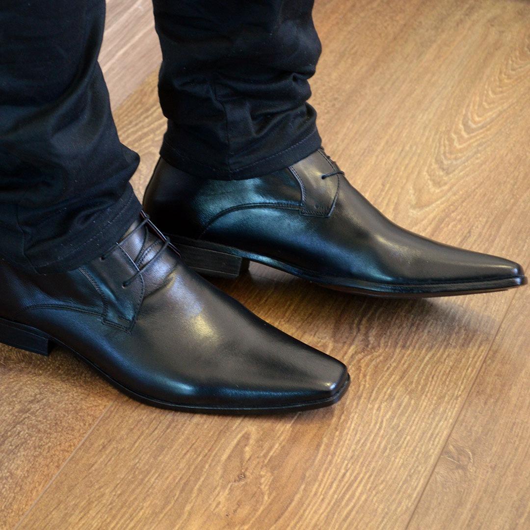 fde44cb107 bota social masculina de amarrar quebec preto. Carregando zoom.