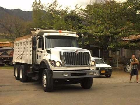 botada de escombros en camioneta y volqueta, transporte gene