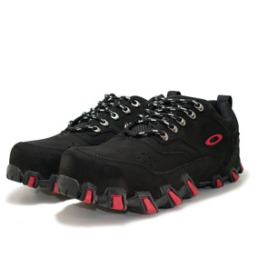 3637b3efe7800 Centauro Tenis Oakley - Botas para Masculino Preto no Mercado Livre ...