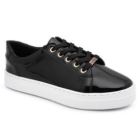 fb13ec69264 Tenis Emoji Preto Lacoste Sapatilhas - Sapatos para Feminino no ...