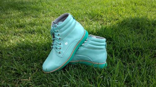 botas azulaguan, botas del numero 4, no dr martens