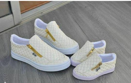 Botas botines mocacines zapatos calzado colombiano bs for Muebles para zapatos colombia