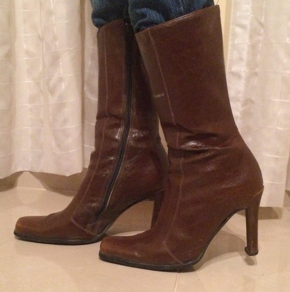 Dec 17, · Mujer sexy con un pantalon de latex y botas altas con tacón de aguja metalico. Mujeres con botas. Mujeres calzando todo tipo de botas: altas, bajas, tacón de aguja, tacón plano, de plataformas, etc. Women with boots.