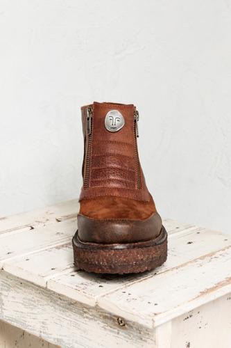 botas clara barcelo al mal tiempo buena cara