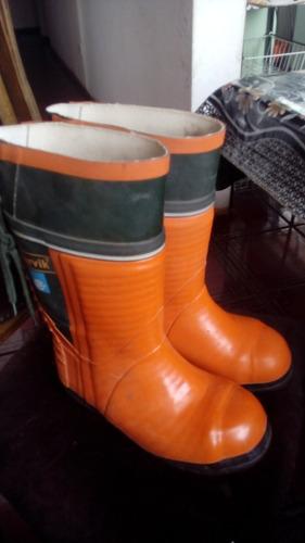 botas con clavos marca harvik