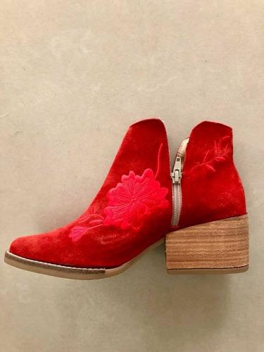 botas cortas de gamuza bordadas