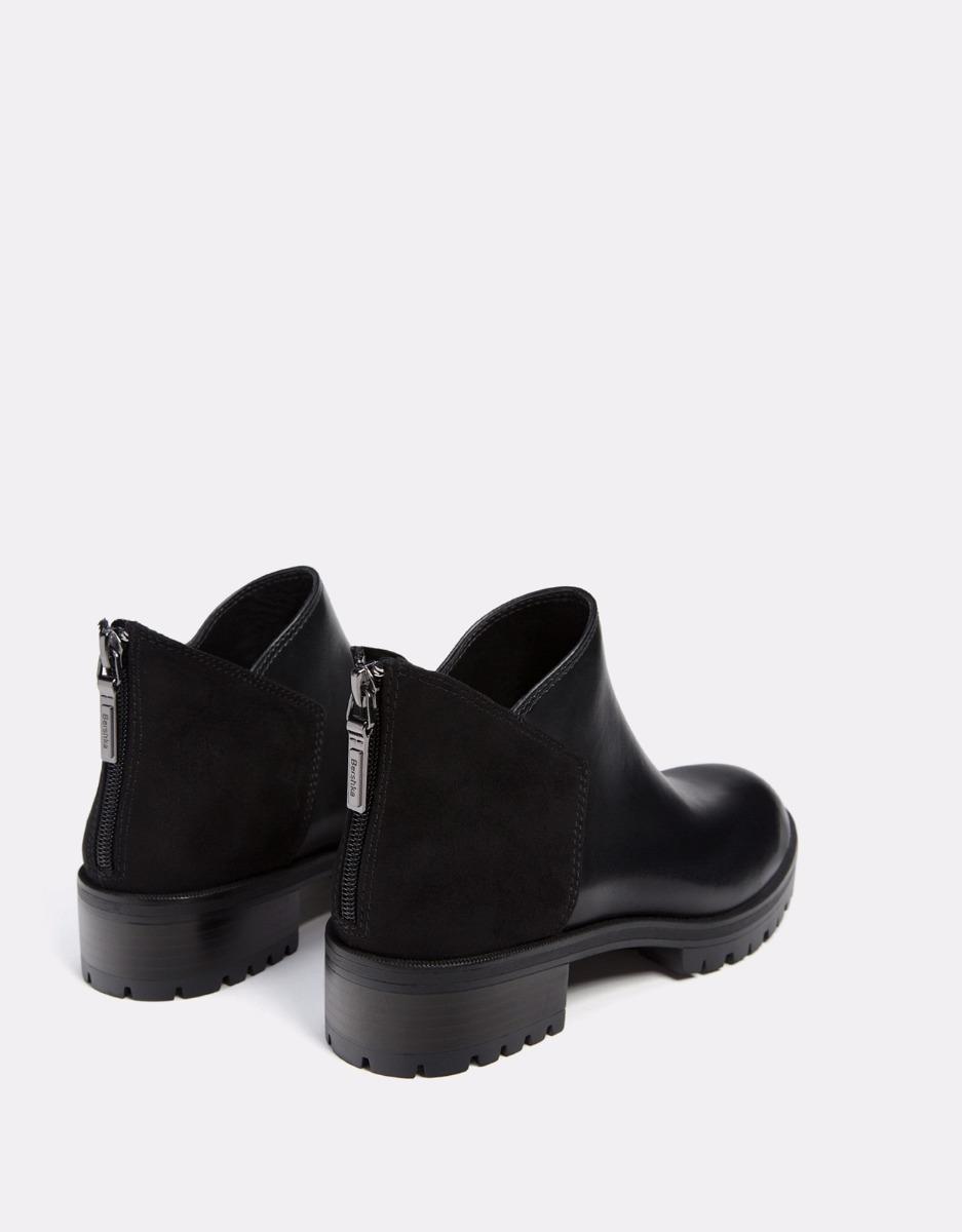b09f96bea botas cortas negras planas importado bershka. Cargando zoom.