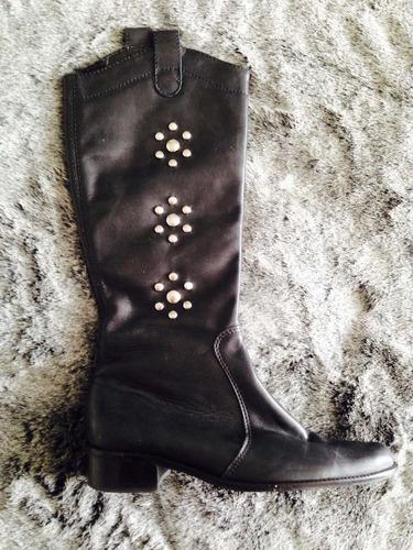 botas cuero marca via uno  color negro