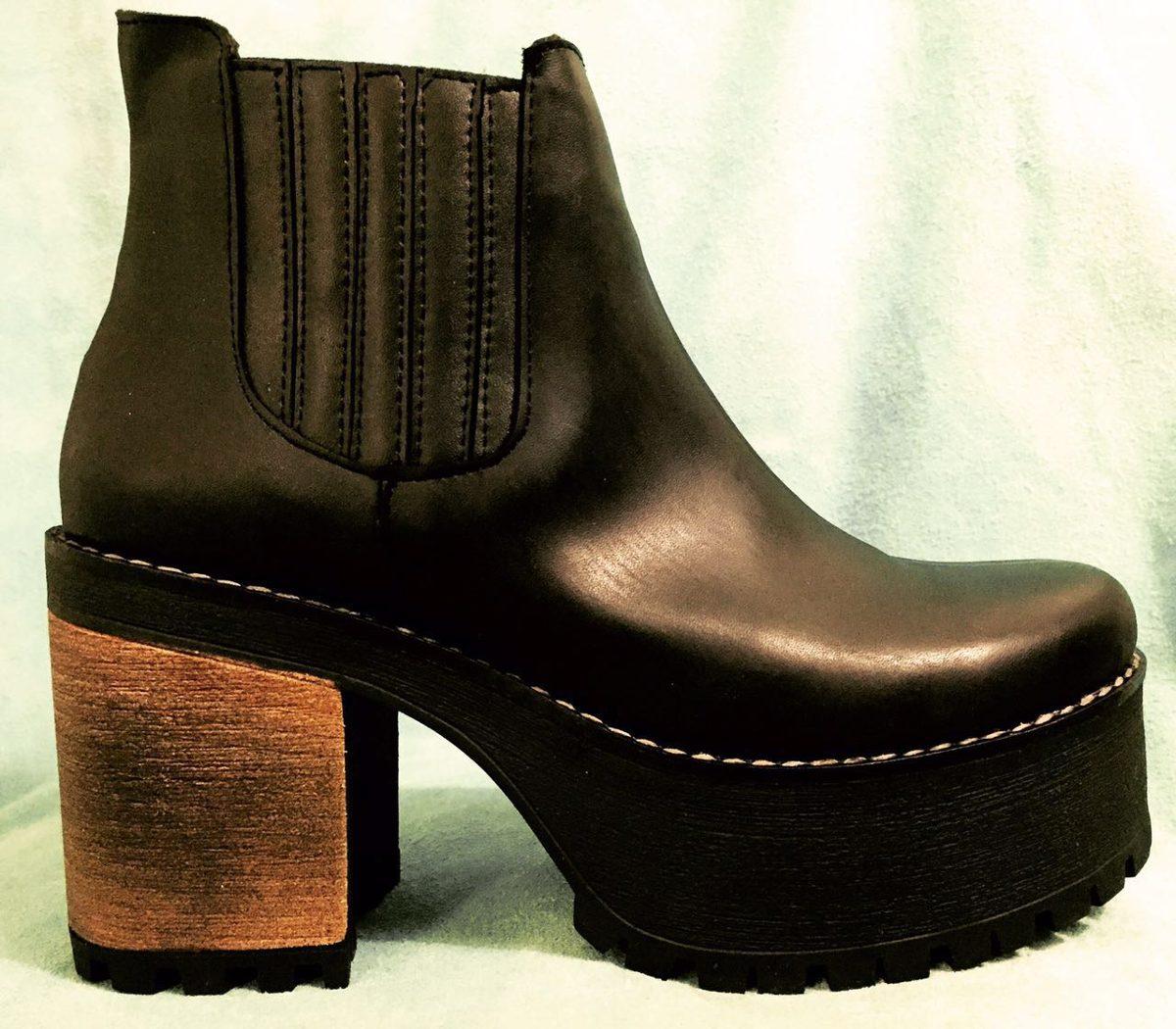 ec50908fda53b botas cuero taco y plataforma goma y madera. Cargando zoom.