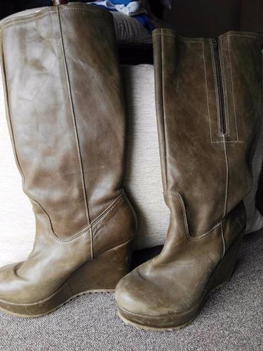 botas cuero verde militar caña alta taco chino con cierre