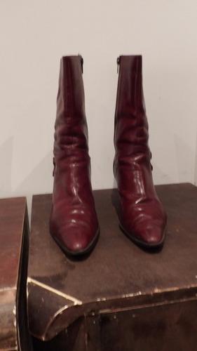 botas de cuero bordo talle 39