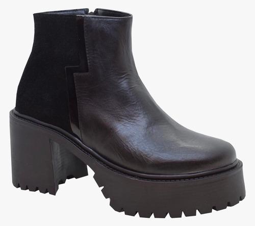 botas de cuero combinado plataforma y taco de 8 cm.- cierre